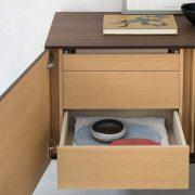 sideboard-wood-linea-riflessi-detail-2